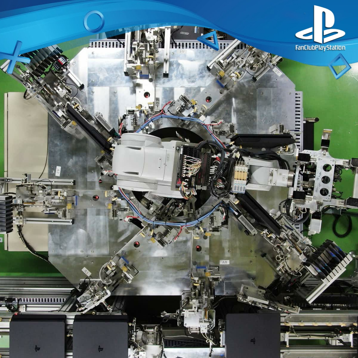 12 PS4 Robot vue du haut